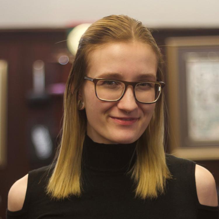 Headshot of Jennifer - bourbon barber saskatoon